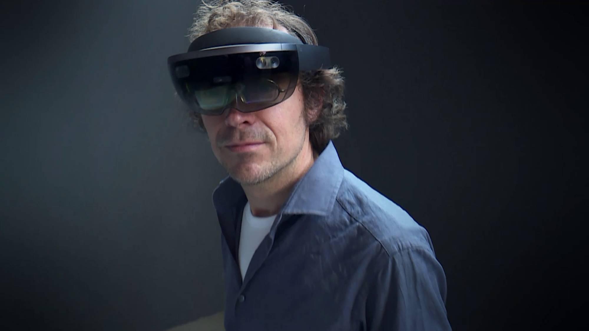 Een virtual realitybril waar je wél doorheen kunt kijken ...